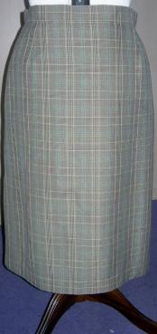 handmade skirt and red button shirt 002